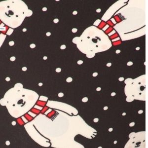 "Legging Polar Bear w/scarf and ""snow"" polka dots"
